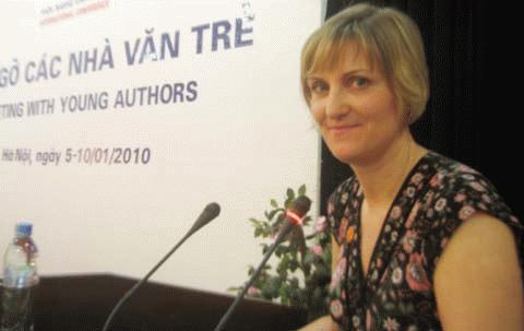 Dịch giả Chúc Ngưỡng Tu chia sẻ kinh nghiệm dịch văn học VN