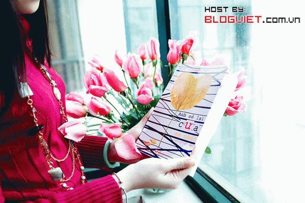 Quà tặng mùa yêu - Mời bạn click vào ảnh để xem thông tin chi tiết về cuốn sách Anh sẽ lại cưa em nhé - Tuyển tập Blog Việt 2008 - 2009
