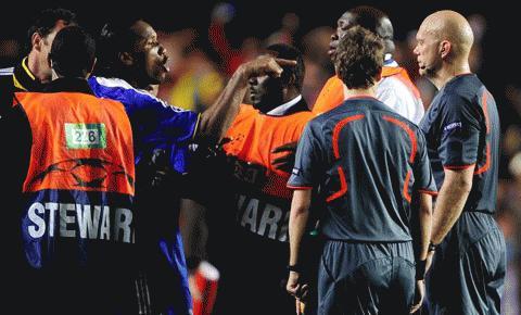 Chelsea từng là nạn nhân của Ovrebo. Ảnh: Reuters