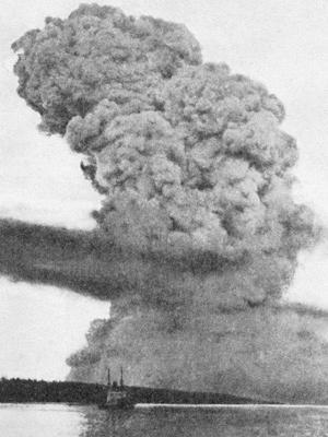 Đám mây hình nấm sau vụ nổ Halifax.