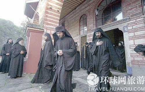 Họ tin rằng <br /> những người ở Athos sẽ là những người sống lâu nhất trên thế giới. <br /> (Ảnh: Travel.huanqiu.com)