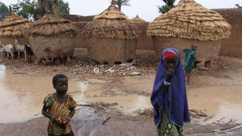 Làng Yargalma có rất nhiều trẻ em bị nhiễm độc chì (Ảnh AP)