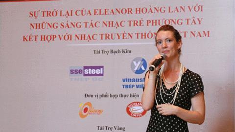 Eleanor trong buổi  họp báo ngày 15/6 tại Hà Nội