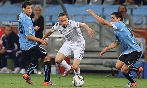 Ribery chơi quá cá nhân. Ảnh: Getty Images