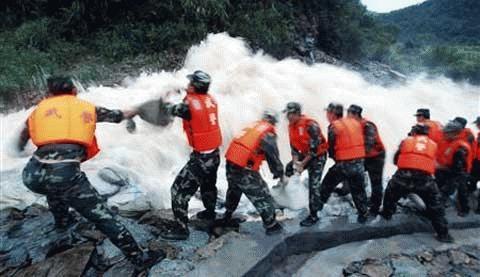 Trung Quốc đối mặt với các trận lũ lụt tồi tệ nhất trong nhiều năm. (Ảnh: Reuters)