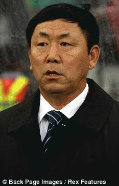 HLV Kim Jong-hun bị điều đi làm thợ xây từ sau World Cup (Nguồn: Dailymail)