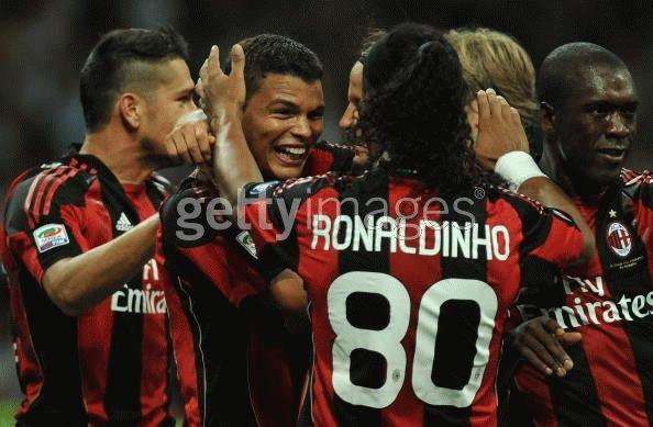 Thiago Silva tạo cách biệt lớn về tỉ số cho Milan. Ảnh: Getty