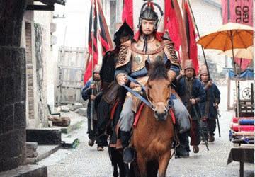 Bối cảnh phim được thuê ở Hoành Điếm (Trung Quốc) nên màu sắc Trung Hoa nhuốm toàn bộ phim.