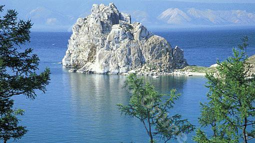 Nắng nóng làm hồ Baikal cạn 12 cm