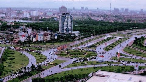 Điểm bắt đầu của đại lộ Thăng Long: ngã tư Trần Duy Hưng- Phạm Hùng - Khuất Duy Tiến
