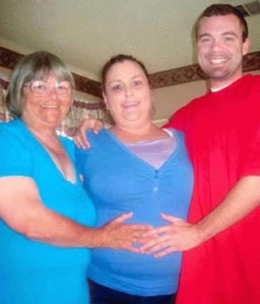 Phil, bà Carter  và người phụ nữ mang bầu thuê