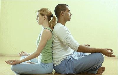 Yoga có lợi cho chuyện  chăn gối