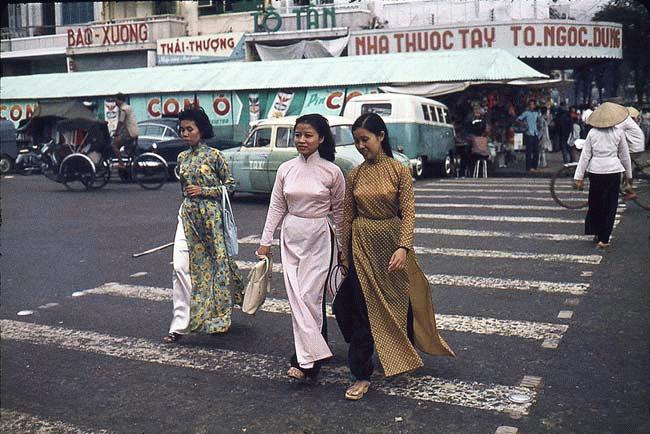 Phụ nữ Việt Nam những năm 60 qua báo Mỹ