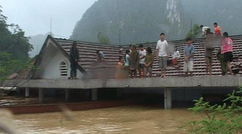 Chỉ trong 1 ngày 5/10 đã có thêm 14 người chết vì bão lũ