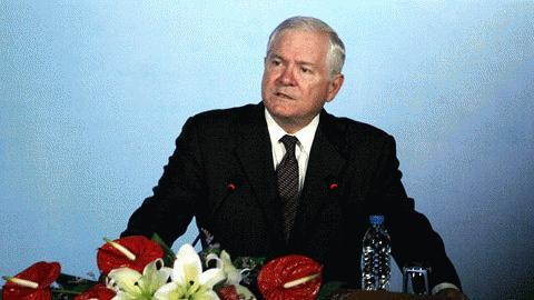 Bộ trưởng Quốc phòng Mỹ Robert Gates tại Đại học Quốc gia ở Hà Nội sáng 11/10. Ảnh: Lê Anh Dũng