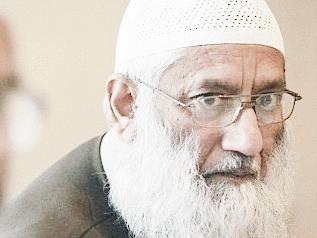 Giáo sĩ Sheikh Maulana Abu Sayeed bị chỉ trích gay gắt sau phát biểu của mình (ảnh: Dailymail)