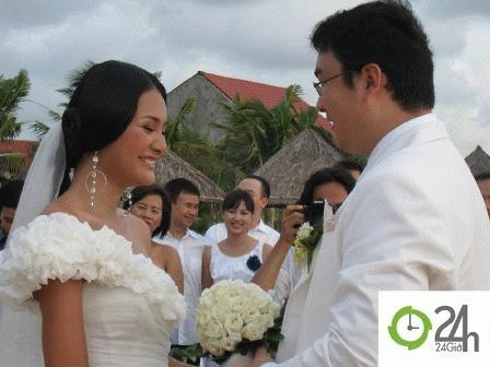 Nụ cười rạng rỡ hạnh phúc ngày cưới