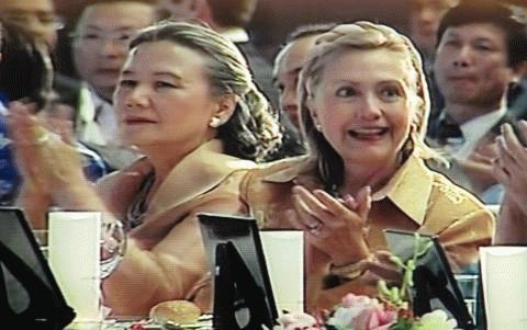 Ngoại trưởng Mỹ Hillary Clinton tại Gala Dinner tối 29/10. Ảnh: HG