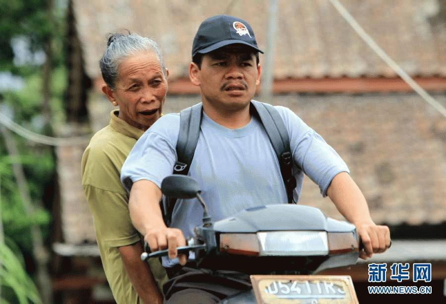 Người dân Indonesia lại lao đao chạy núi lửa