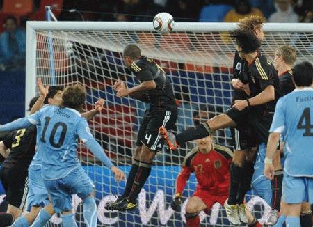 Diego Forlan và giấc mơ Quả bóng vàng FIFA