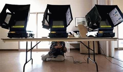 Xem dân Mỹ rậm rịch đi bỏ phiếu giữa kỳ