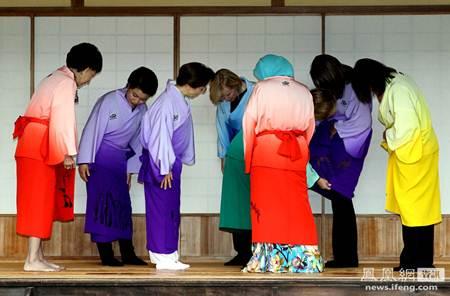 Ngắm phu nhân lãnh đạo APEC xúng xính diện kimono