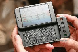 Điện thoại dùng hệ điều hành android phù hợp với những người thích khai thác công nghệ.