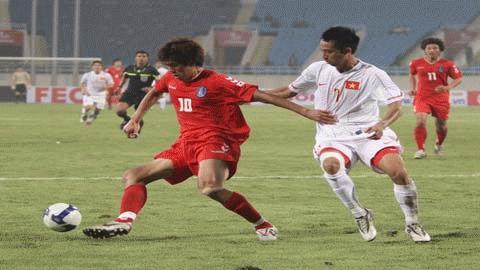 Hàng thủ của ĐTVN phải vất vả trước những tình huống hãm thành của U23 Hàn Quốc
