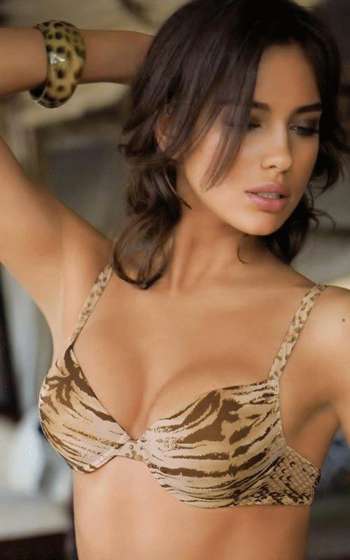 """Irina Shaik đang là gương mặt """"hot"""" của làng thời trang"""