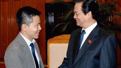 Thủ tướng Nguyễn Tấn Dũng khẳng định Chính phủ đánh giá rất cao thành công của GS Ngô Bảo Châu, gắn liền với đó là tấm lòng của Giáo sư đối với nền giáo dục của đất nước. Ảnh: Báo ĐT Chính phủ