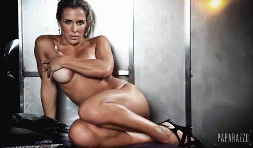 Joana nhiều lần phát điên vì Adriano ghen vô cớ