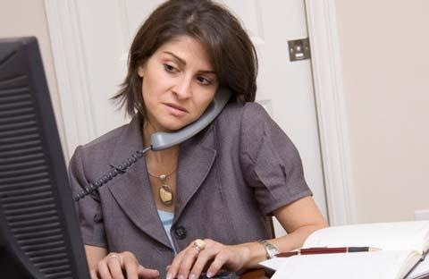 Môi trường làm việc căng thẳng làm tăng nguy cơ mắc bệnh tim ở nữ giới. Ảnh: Top News.